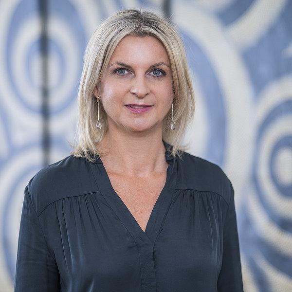 Jana Courbeaux